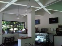 Cafe SNS en sector las Tarrias Santiago 220 M2 de construccion
